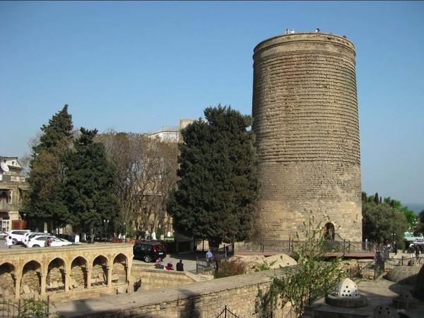Песни о Баку